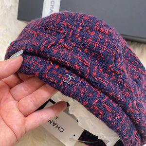 CHANEL NWT Tweed CC Beret Hat Rare 17B